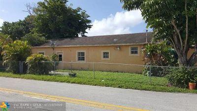 Hallandale Single Family Home For Sale: 520 NW 2nd Ave