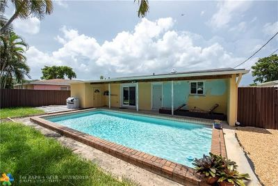 Pembroke Pines Single Family Home For Sale: 6940 SW 10th St