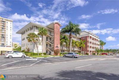 Hallandale Condo/Townhouse For Sale: 440 Paradise Isle Blvd #107