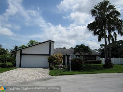 Tamarac Single Family Home For Sale: 8205 NW 80th St