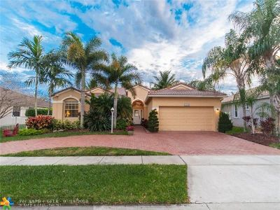Pembroke Pines Single Family Home For Sale: 13744 NW 11th St