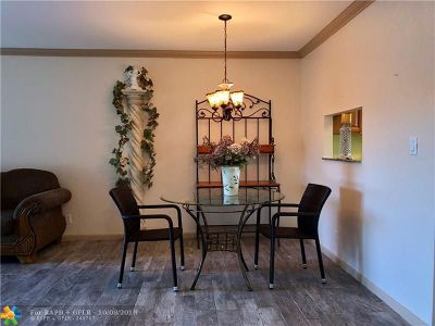 Lauderdale Lakes Condo/Townhouse For Sale: 5002 NW 35th St #209