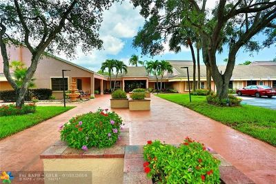 Coconut Creek Condo/Townhouse For Sale: 4213 NW 22nd St #2-113