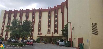 Miami Condo/Townhouse Backup Contract-Call LA: 9686 Fontainebleau Blvd #302