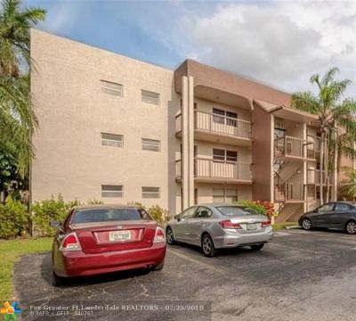 Davie Condo/Townhouse For Sale: 7100 Nova Dr #301A