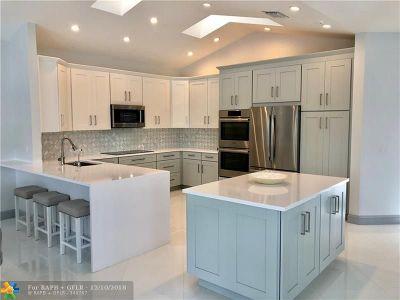 Wellington Single Family Home For Sale: 2467 Muir Cir