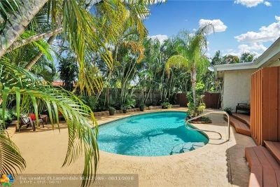 Oakland Park Single Family Home For Sale: 321 NW 35th St