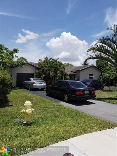 Coral Springs Single Family Home For Sale: 7811 NW 40th St
