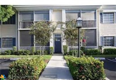 Pompano Beach Condo/Townhouse For Sale: 140 Cypress Club Dr #407