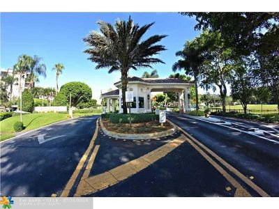 Pembroke Pines Condo/Townhouse For Sale: 1200 Saint Charles Pl #714