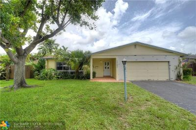 Single Family Home For Sale: 1737 NW 36th Ct