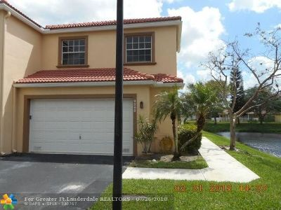 Coral Springs Condo/Townhouse For Sale: 9688 Royal Palm Blvd #9688