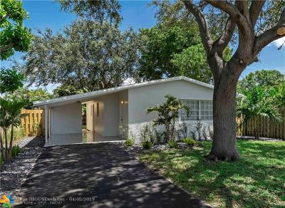 Delray Beach Single Family Home For Sale: 257 NE 11th St