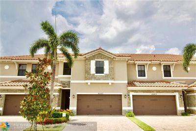 Parkland FL Condo/Townhouse Sold: $440,000