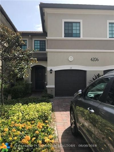 Oakland Park Condo/Townhouse For Sale: 4206 N Dixie Hwy #13