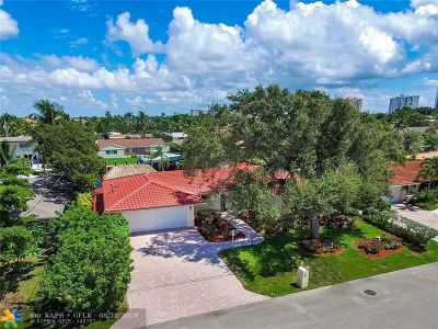 Lauderdale By The Sea Single Family Home For Sale: 1951 Waters Edge