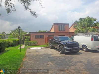 Plantation Condo/Townhouse For Sale: 1745 NW 72nd Ave #1745