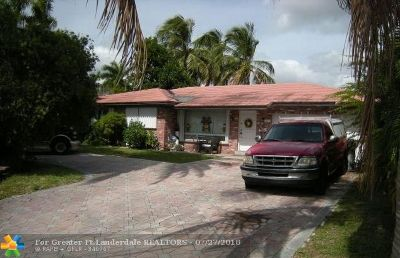 Pompano Beach Single Family Home For Sale: 1821 SE 7th St