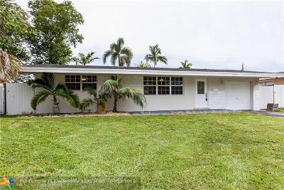 Pembroke Pines Single Family Home For Sale: 8130 NW 12th St