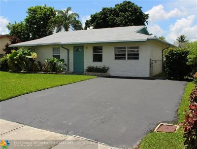 North Lauderdale Single Family Home For Sale: 8230 SW 4th Place