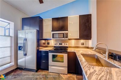 Condo/Townhouse Backup Contract-Call LA: 2740 S Oakland Forest Dr #1503