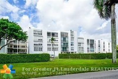 Plantation Condo/Townhouse For Sale: 6921 Cypress Rd #22C