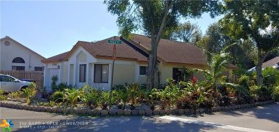 North Lauderdale Single Family Home For Sale: 744 Holly St