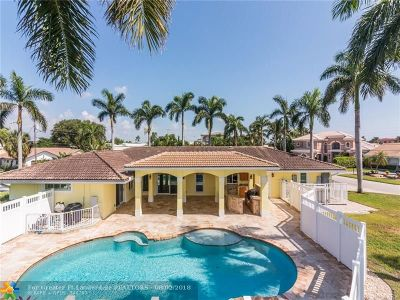 Deerfield Beach Single Family Home For Sale: 46 Little Harbor Way