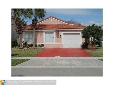 Pembroke Pines Single Family Home For Sale: 20881 NW 18th St