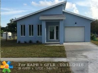Oakland Park Single Family Home For Sale: 1920 NW 27th St