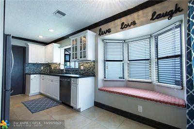 Boca Raton Single Family Home For Sale: 21583 Villa Nova Dr