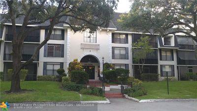 Lauderhill Condo/Townhouse For Sale: 3680 Inverrary Dr #3N