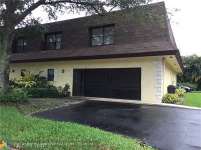 Boca Raton Condo/Townhouse Backup Contract-Call LA: 9330 SW 61st Way #A