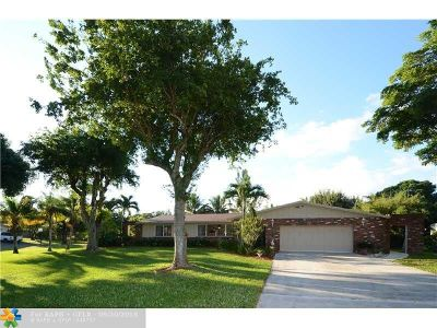 Davie Single Family Home For Sale: 10740 SW 27th St