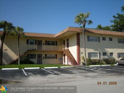 Deerfield Beach Condo/Townhouse For Sale: 1421 NW 45th St #2