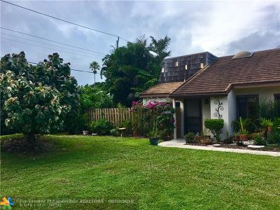 West Palm Beach Single Family Home For Sale: 4135 #c Palm Bay Cir