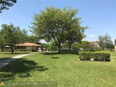 Pembroke Pines Condo/Townhouse For Sale: 801 SW 133rd Ter #404 K