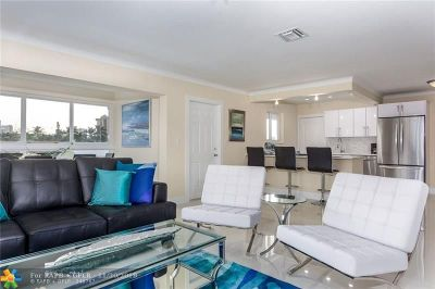 Pompano Beach Condo/Townhouse For Sale: 3201 NE 5th #4