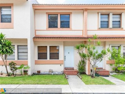 Coral Springs Condo/Townhouse For Sale: 9118 NW 40th St #17