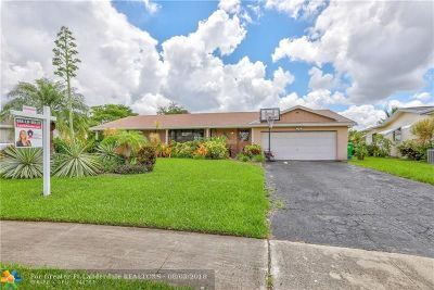 Sunrise Single Family Home For Sale: 9420 NW 24th Pl