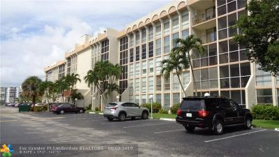 Hallandale Condo/Townhouse For Sale: 701 Three Islands Blvd #309