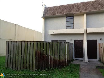 Lauderhill Condo/Townhouse For Sale: 2246 NW 52nd Ave #2246