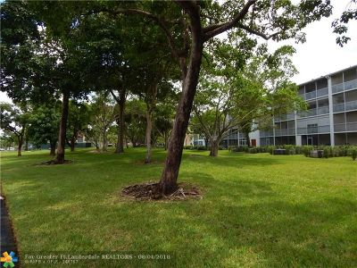Pembroke Pines Condo/Townhouse Backup Contract-Call LA: 1401 SW 135th Ter #204H