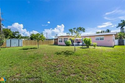Oakland Park Single Family Home For Sale: 4795 NE 18th Ave