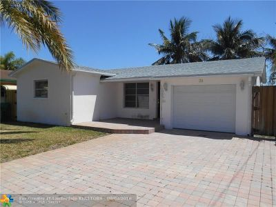 Broward County Single Family Home For Sale: 38 SE 14th St
