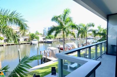 Fort Lauderdale Condo/Townhouse For Sale: 70 Hendricks Isle #202