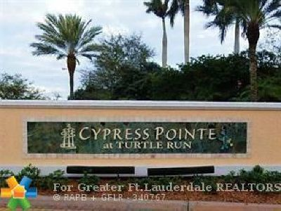 Coral Springs Condo/Townhouse For Sale: 6714 W Sample Rd #6714