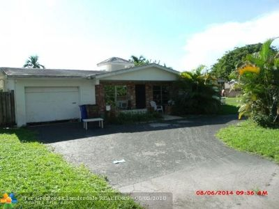 Deerfield Beach Single Family Home Backup Contract-Call LA: 480 SE 12th Ave