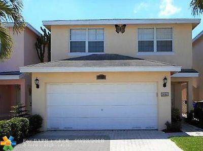 Deerfield Beach Condo/Townhouse For Sale: 4060 Eastridge Cir #4060