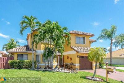 Pembroke Pines Single Family Home For Sale: 11531 SW 9th Ct